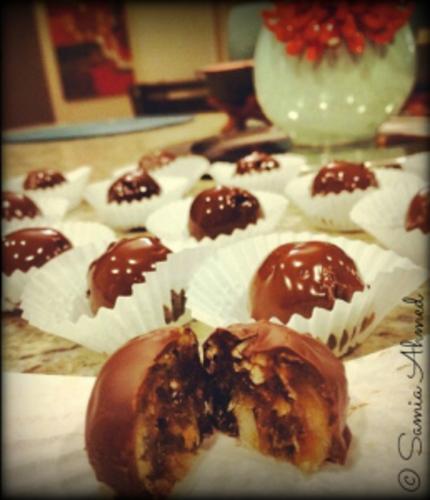 2015-06-22-1435009475-4554264-ChocolateCoveredCoconutDatesSamiaAhmed1.jpg