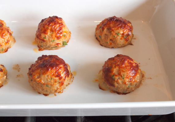 2015-06-23-1435025943-4040787-chickenmeatballs.jpg