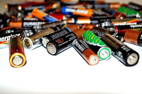 2015-06-23-1435088347-8040424-Battery.jpg