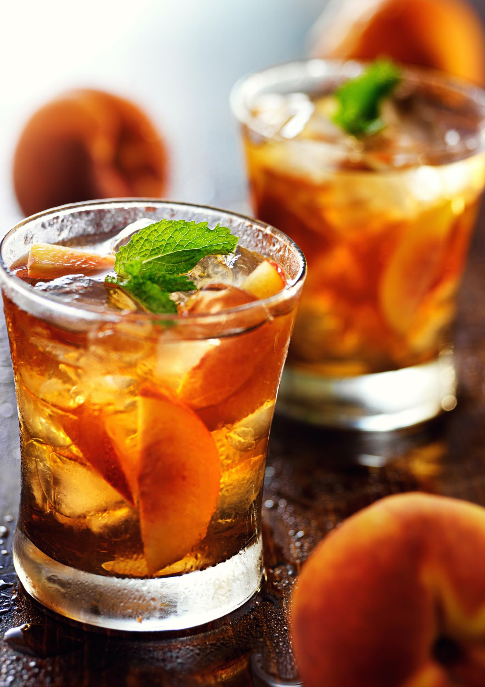 Three refreshing and easy iced tea and tea cocktail recipes for Iced tea cocktail recipes