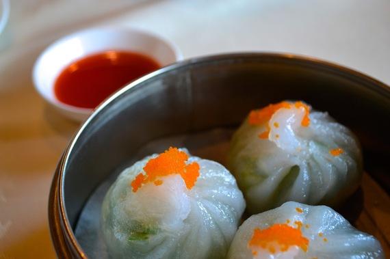 2015-06-26-1435363099-3045011-dumplingsxiaolongbao.jpg