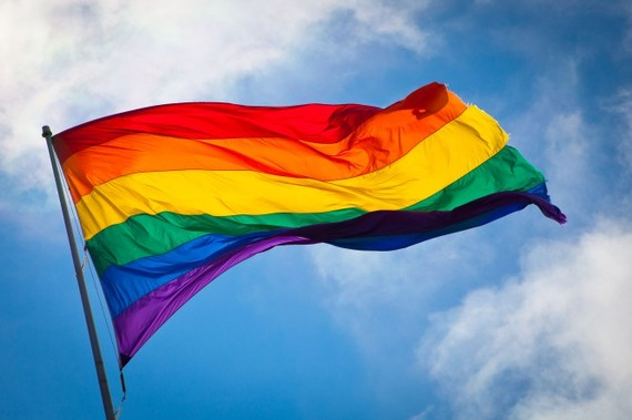 2015-06-29-1435607598-4203173-Rainbow_flag_breeze665x443.jpg