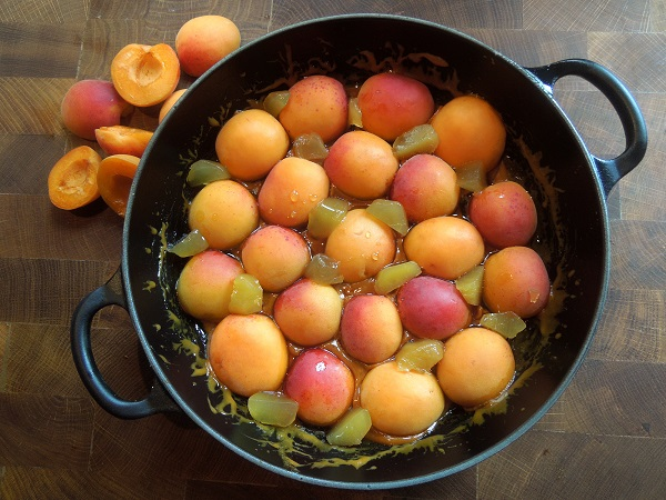 Place the apricots on the caramel, cut side down, in concentric rings ...