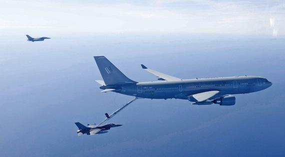 2015-07-05-1436102496-9197885-AIR_KC30_RAAF_and_F16s_cyberpioneer_lg.jpg