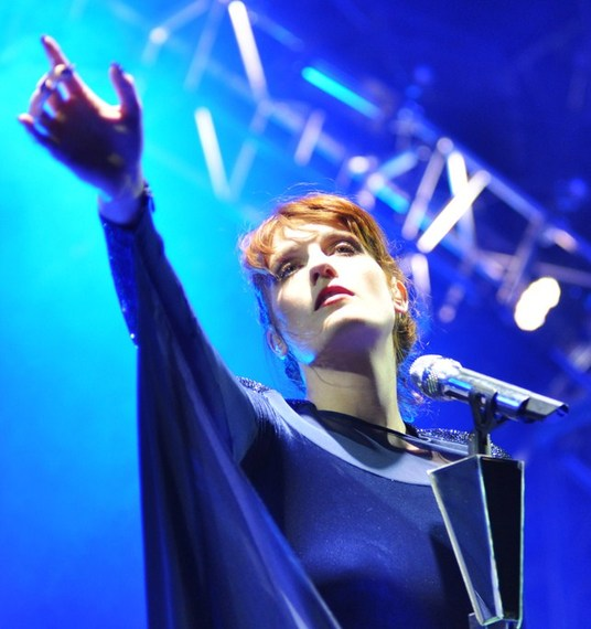 2015-07-06-1436206660-8365845-Florence_and_the_Machine_at_Coachella.jpg