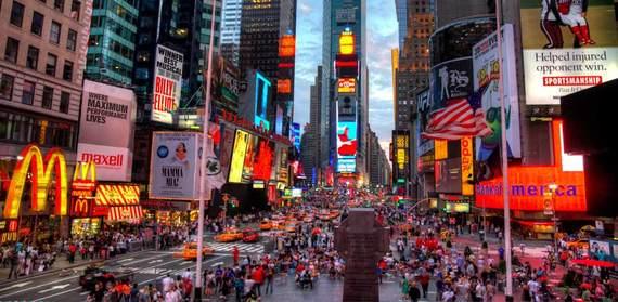 2015-07-06-1436217525-4052850-tourist1.jpg