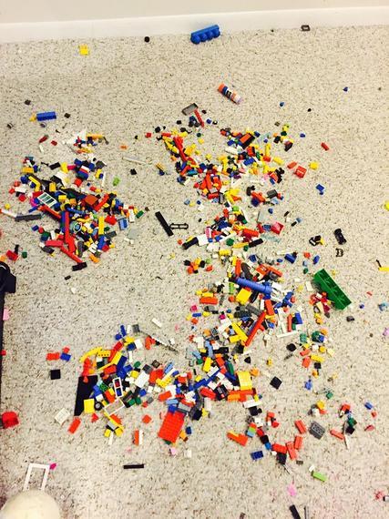 2015-07-08-1436393777-9790051-Lego.jpg