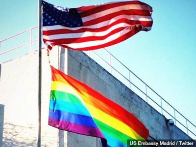 2015-07-12-1436724720-5336270-rainbowflagmadridembassy.jpg