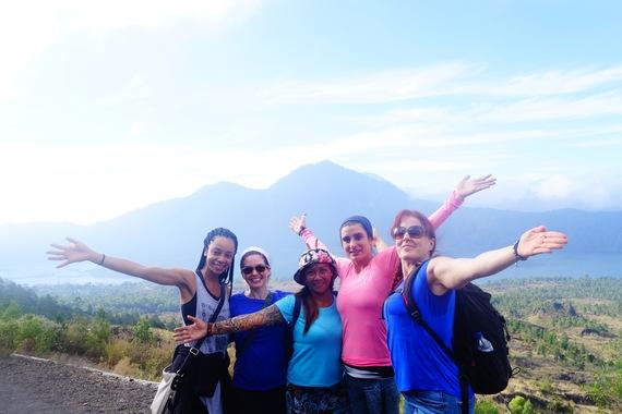 bali-trips-hike-mount-batur-friends