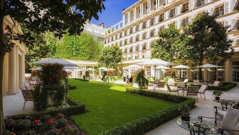 L'Epicure in Paris Is the Epitome of Three-Star Dining | HuffPost