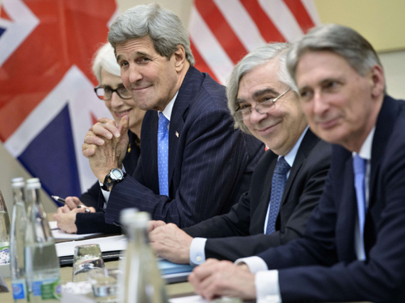 2015-07-21-1437454494-8347016-iran_Kerry_team.jpg