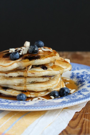 2015-07-22-1437600947-1936694-TheChic_blueberryalmondpancakes682x1024.jpg