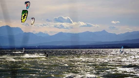 2015-07-27-1437991034-2043403-kitesurfenammersee.jpg