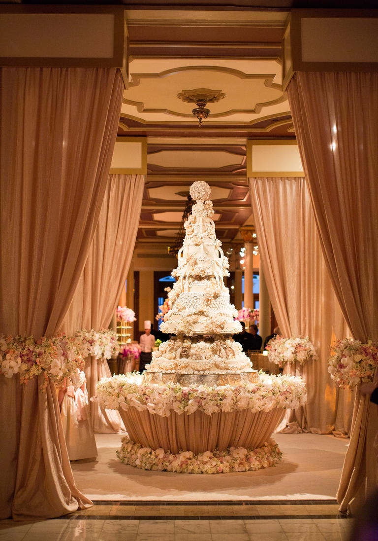 What Goes On Wedding Cake Table Ideas You Ve Never Seen Before Huffpost