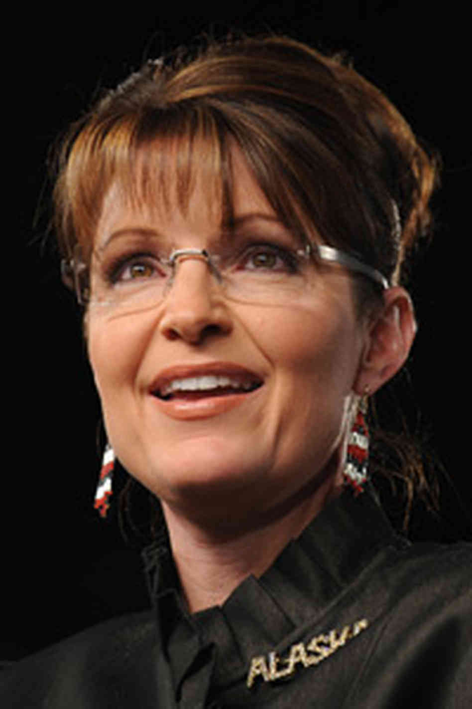 said <b>Sarah Palin</b>, as she signed napkins for customers at the Lock 'N Load <b>...</b> - 2015-07-31-1438365864-5053549-sarahpalin
