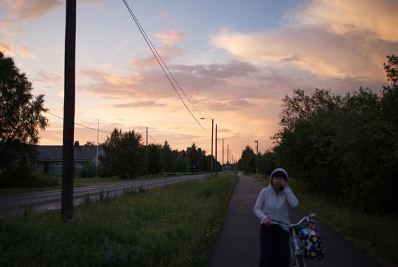 2015-07-31-1438369881-3775314-loving_nothing_janne_riikonen_huffington_post_f.jpg
