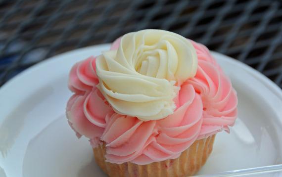 2015-08-05-1438792446-3672134-Cupcake.jpg