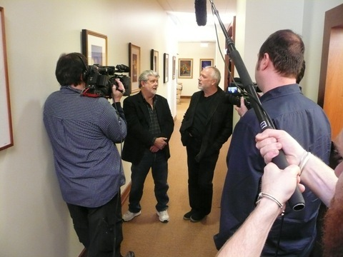 2015-08-09-1439148250-8254293-George_Lucas_and_Drew_Struzan_discuss_art_at_Lucasfilm_during_the_filminig_of_DTMBP_jpg_480x480_q93.jpg