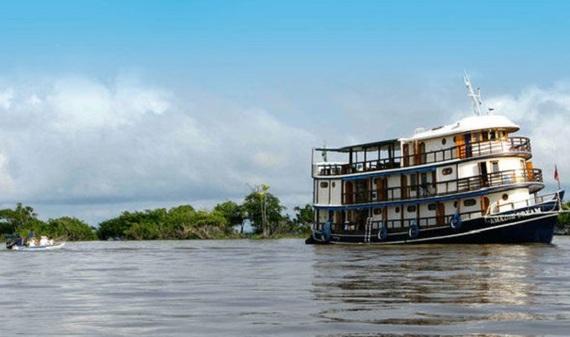 2015-08-10-1439204487-5365168-AmazonDreamrivercruiseboat591438.jpg
