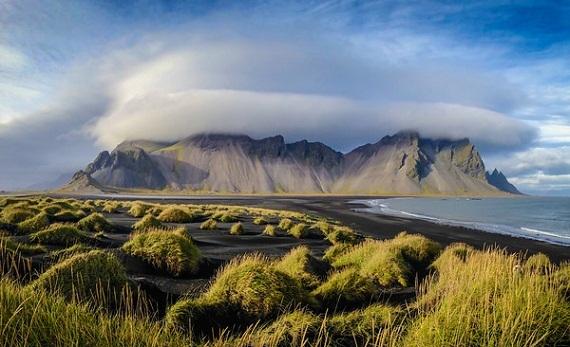2015-08-10-1439218070-3893692-Icelandvesturhorn.jpg
