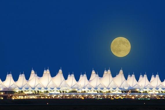 2015-08-12-1439390404-8370012-DenverAirport_800px.jpeg