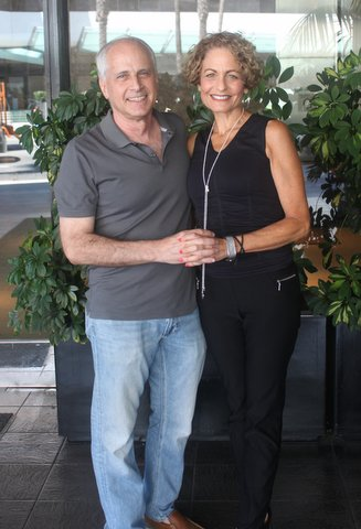 dating over 50 in los angeles