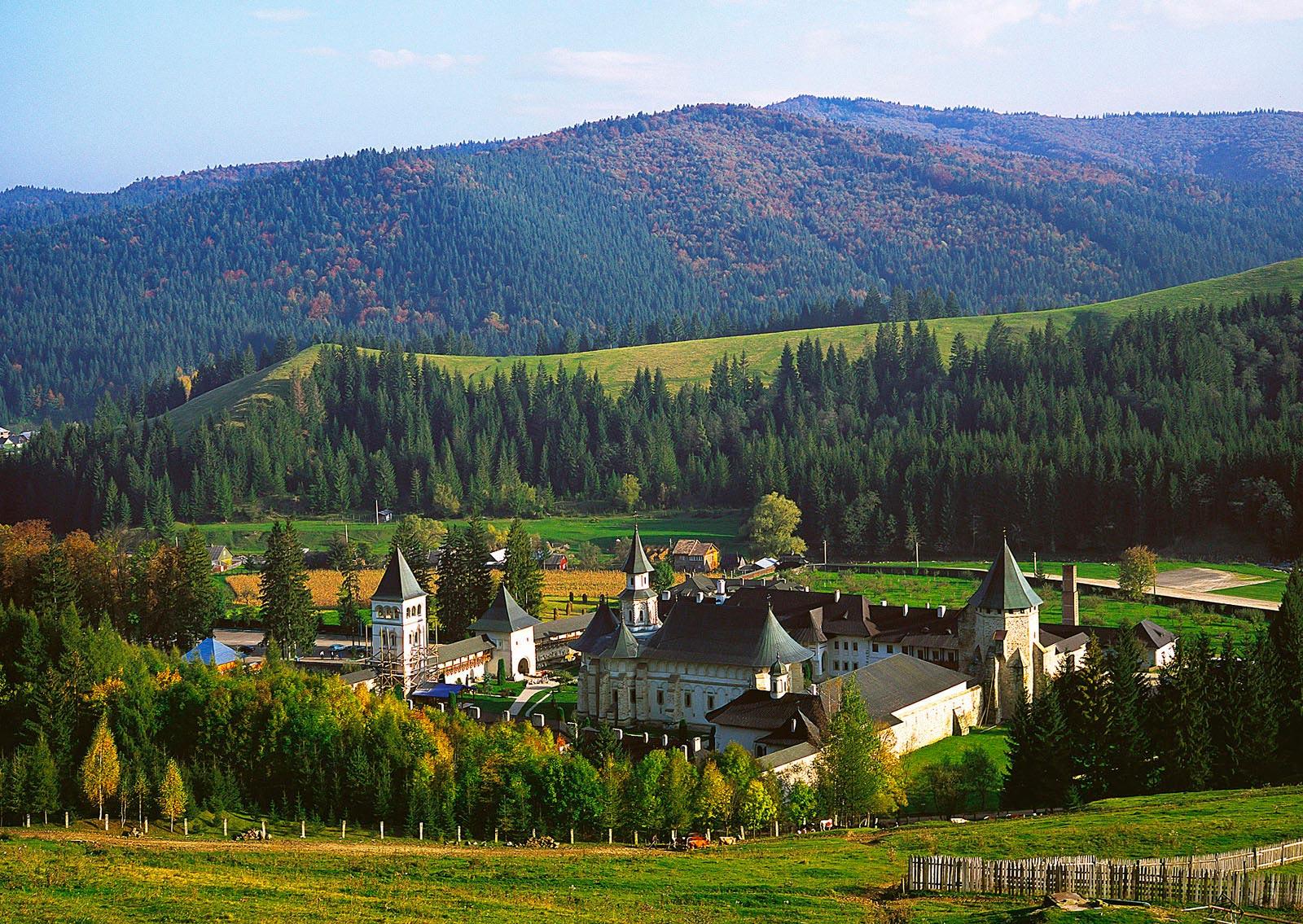 25 Reasons to Visit Romania (5): Bucovina   HuffPost