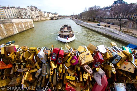 Adieu to the love locks of paris huffpost for The lock bridge in paris