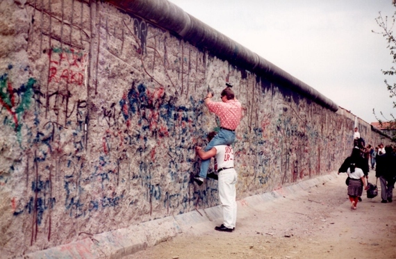 How Much Is A Ton Of Gravel >> Where in the World Is the Berlin Wall Now? | HuffPost