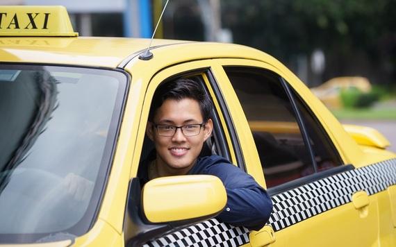2015-08-19-1440006455-7930654-Taxi_Driver.jpg