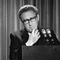 2015-08-21-1440137657-1603426-Kissinger2200x200.jpg