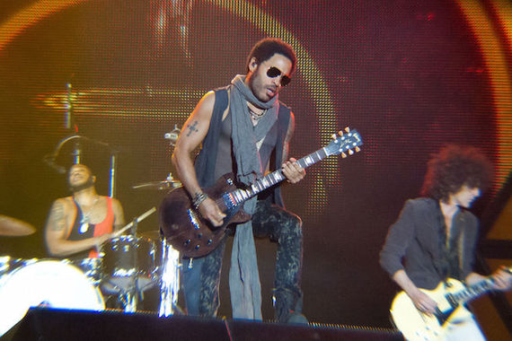 2015-08-21-1440190973-931567-Lenny_Kravitz__Rock_in_Rio_Madrid_2012__10.jpg