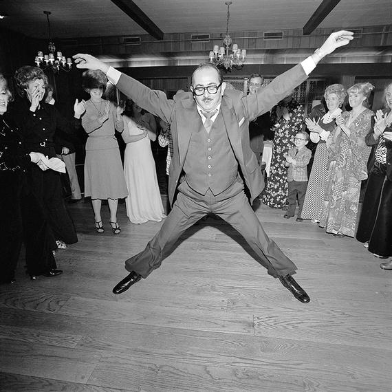 2015-08-24-1440430077-8230684-11_76_03_man_dancing_wedding_rockville_center_800.jpg