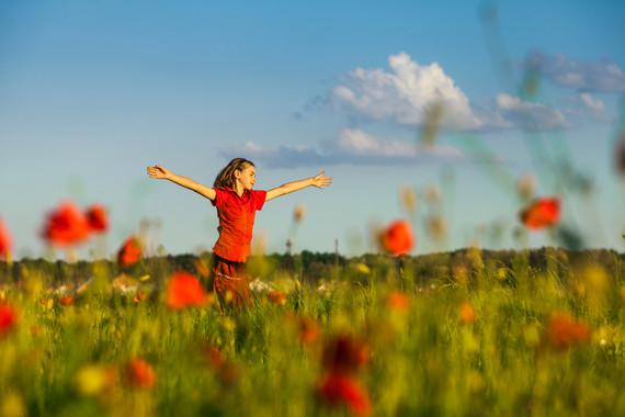 2015-08-24-1440443414-1934485-girldaydreaming2.jpg