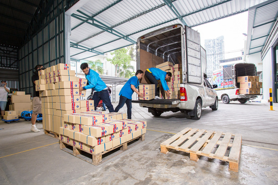 2015-08-24-1440458572-9448707-warehouse_75.jpg
