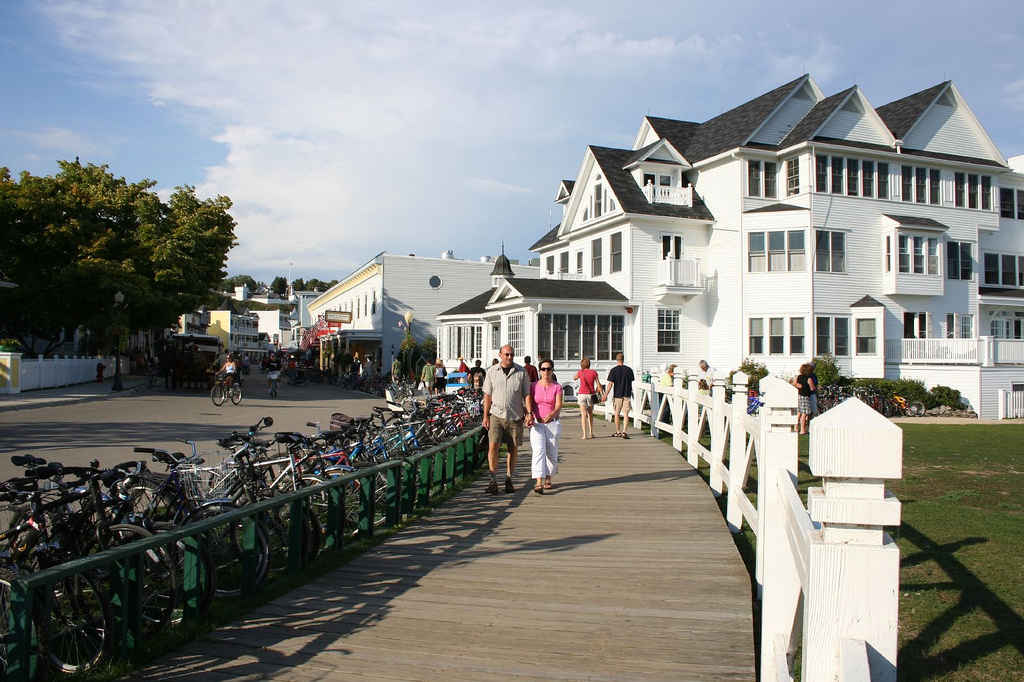 19 Michigan Beach Towns, Ranked | HuffPost Life