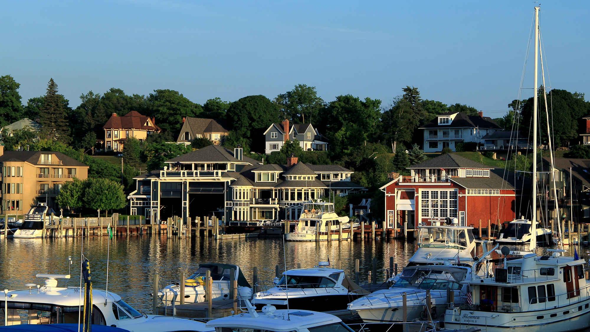 19 Michigan Beach Towns, Ranked | HuffPost Life