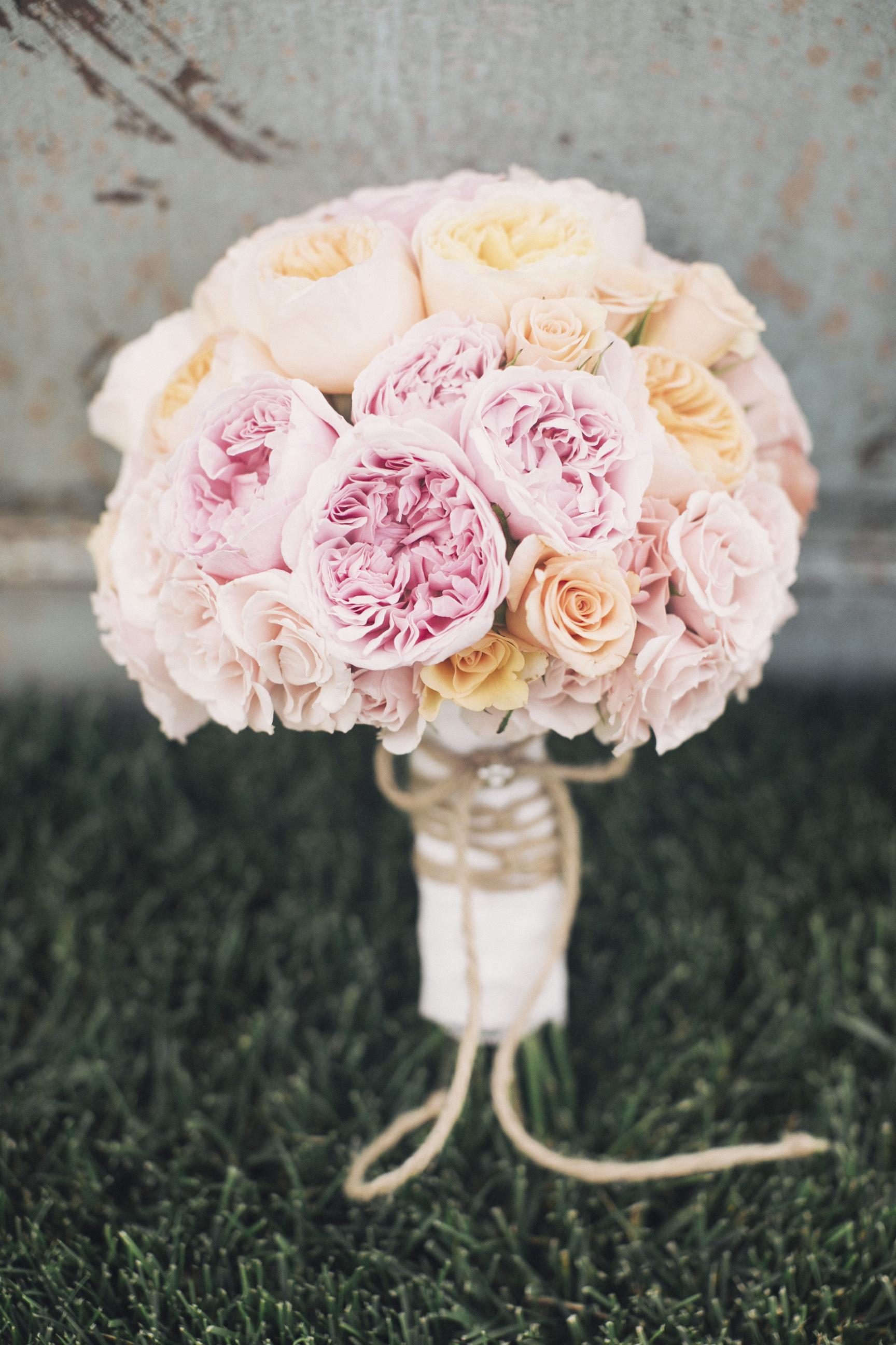 The best summer wedding bouquets huffpost life 2015 08 25 1440517291 1505494 hiddengardenflowersfocusphotographyg izmirmasajfo