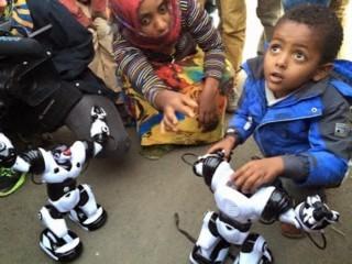 2015-08-26-1440604451-9465011-Ethiopiankidandrobot320x240.jpg