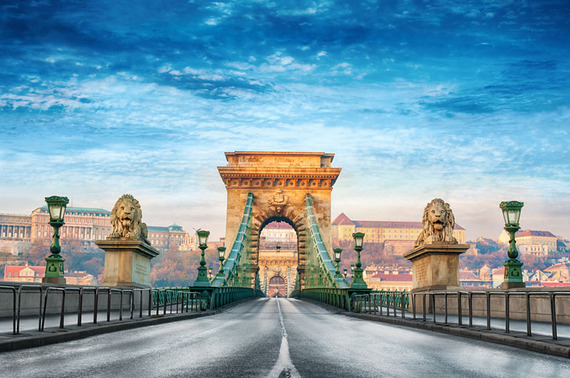 2015-08-26-1440612230-3195571-Budapest_ChainBridge_800px.jpg