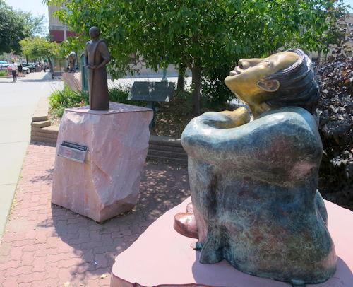2015-08-26-1440613045-6076622-sculpturewalk.JPG