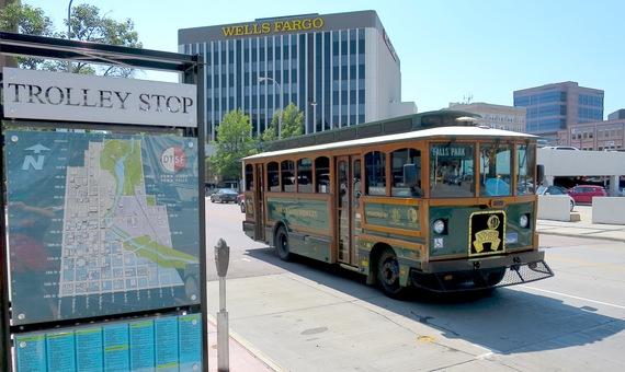 2015-08-26-1440613133-1725233-trolley.JPG