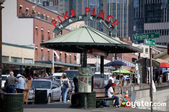 2015-08-26-1440620816-5294093-downtownseattlepikeplacemarketandsurroundingsdowntownseattlev882866720.jpg