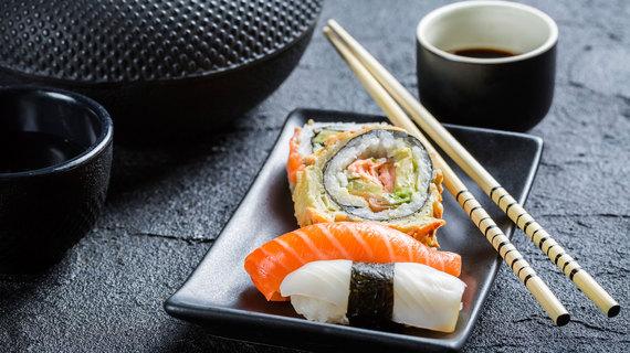 2015-08-28-1440754055-9116504-Sushi.jpg