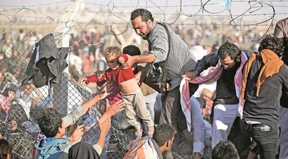 2015-08-31-1440989705-3649998-thesyrianrefugeecrisismightbepermanentforturkey_7665_720_400.jpg