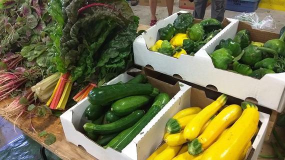 2015-09-01-1441075600-2416071-farmmarket3.jpg
