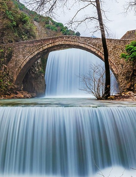 2015-09-01-1441121230-8939482-item9.rendition.slideshowVertical.waterfallbridges10.jpg