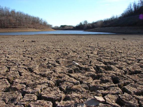 2015-09-01-1441148646-9029641-California_Drought_Dry_Riverbed_2009.jpg