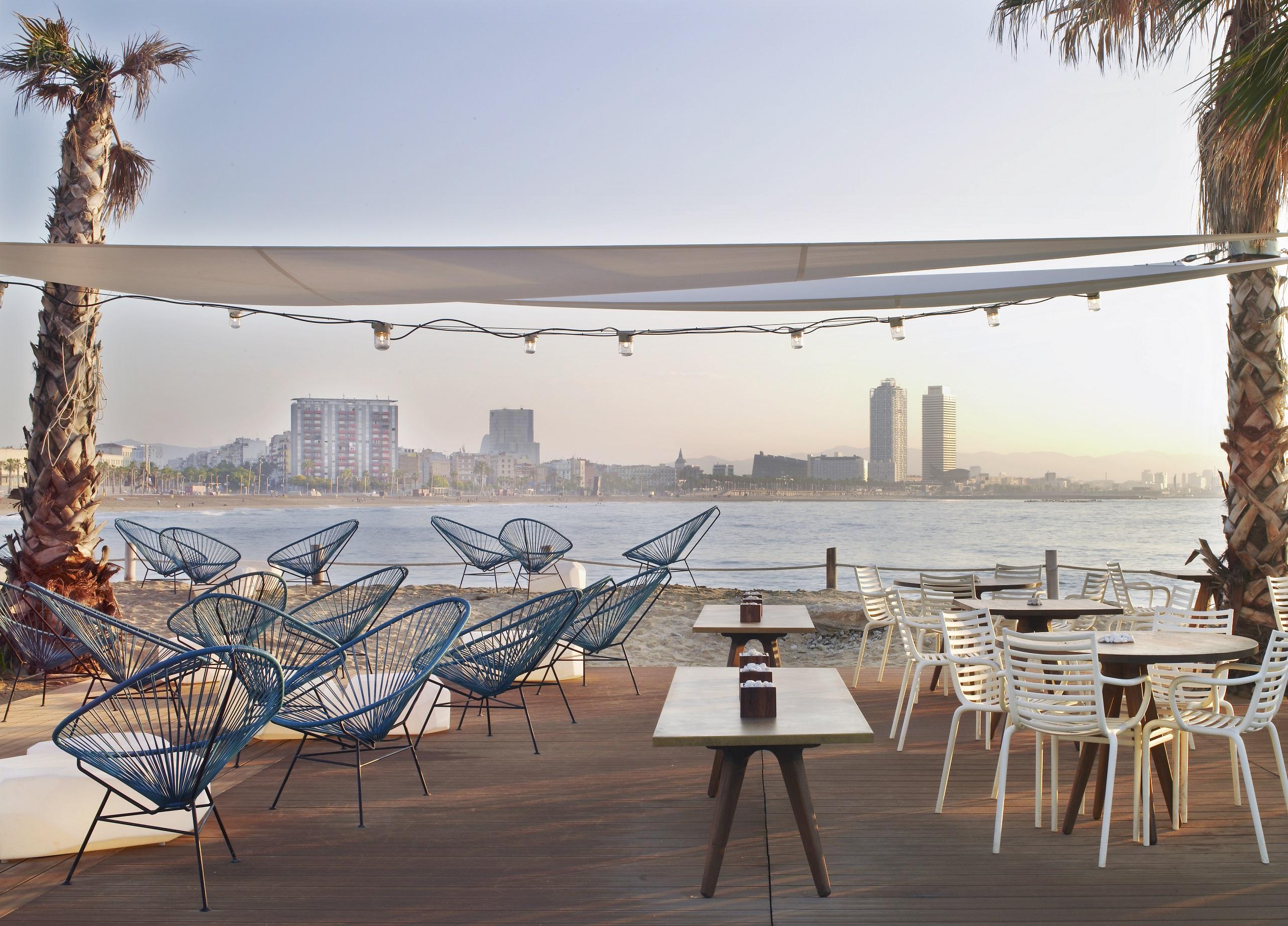 Spain 39 s swankiest seaside lounges huffpost for Beach club barcelona