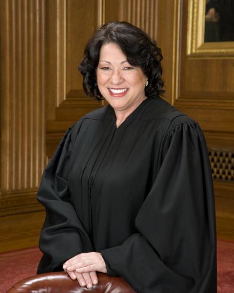 2015-09-03-1441323275-6726114-Sonia_Sotomayor_in_SCOTUS_robe.jpg